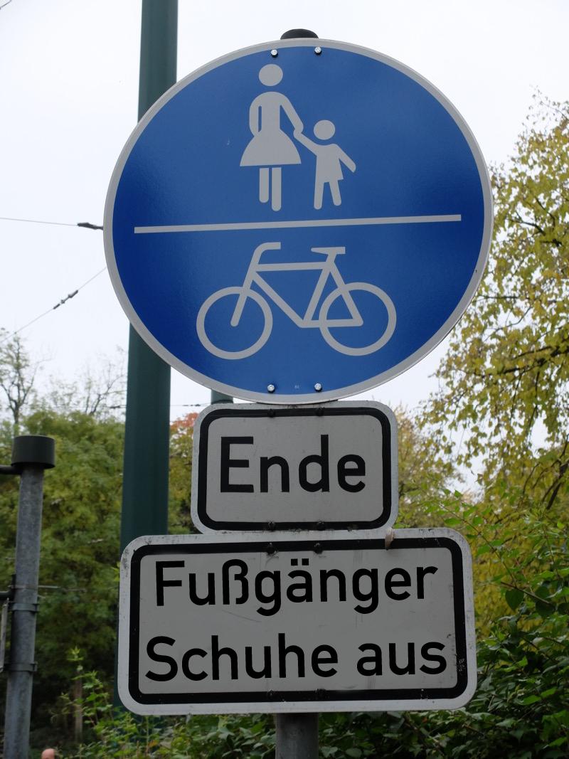 Fußgänger Schuhe aus | Radfahrerzone.de