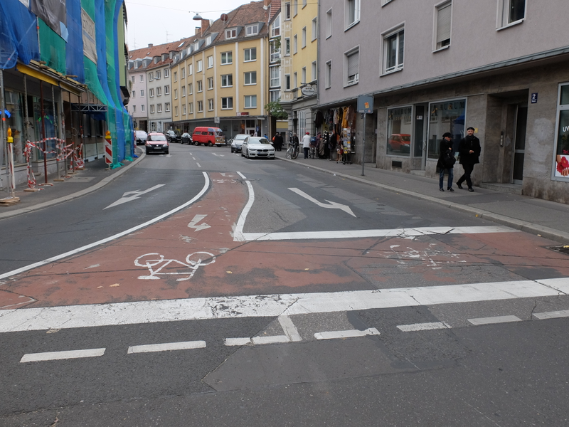 Aufgeweiteten Radaufstellstreifen in Würzburg | Radfahrerzone.de