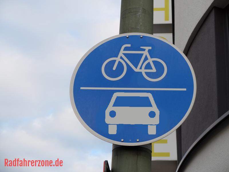Gemeinsamer Rad- und Autoweg | Radfahrerzone.de