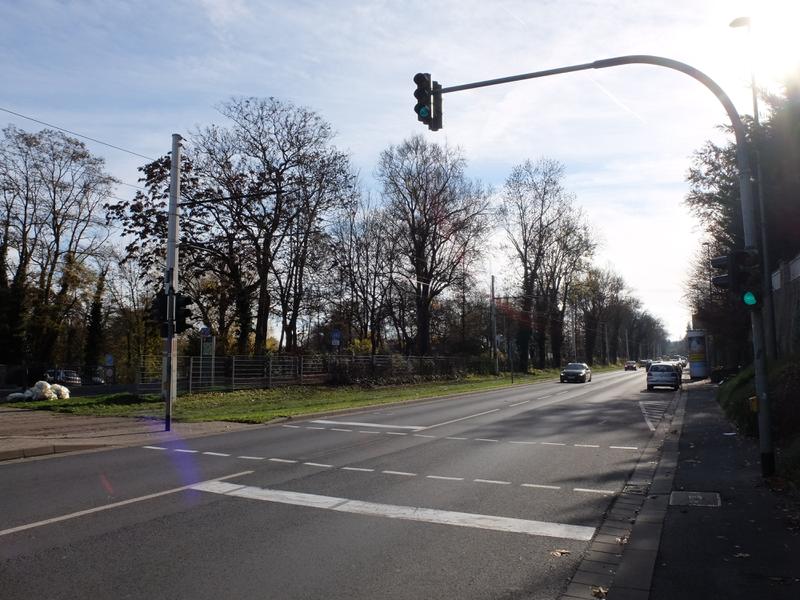 Fußgängerampel an der Mergentheimer Straße   Radfahrerzone.de