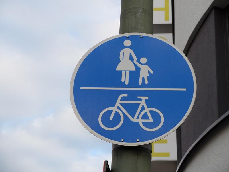 Verkehrszeichen 240: Gemeinsamer Geh- und Radweg | Radfahrerzone.de