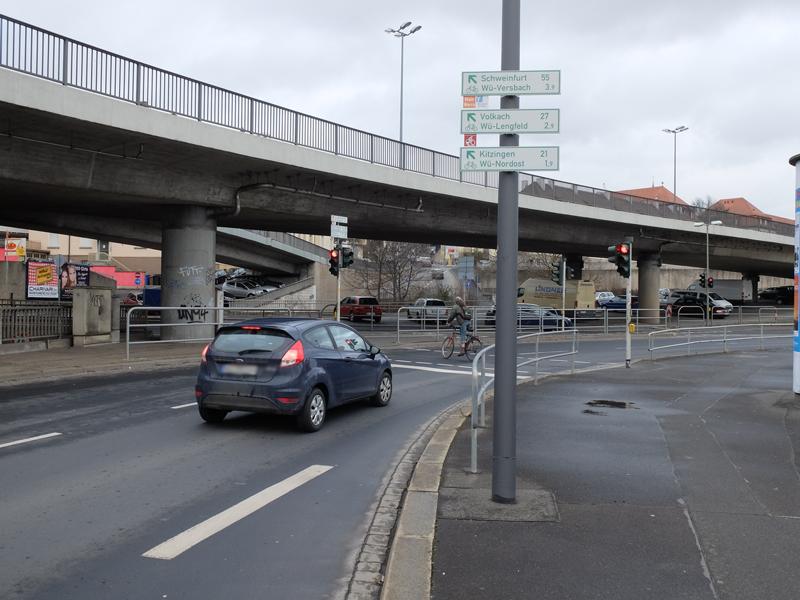 Ampel am Europastern - Ecke Schweinfurter und Nürnberger Straße | Radfahrerzone