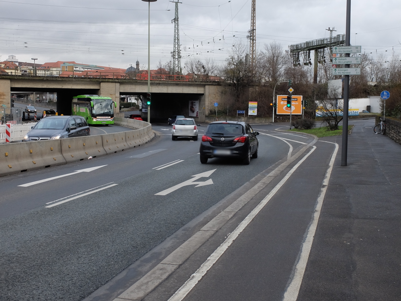 Radstreifen Schweinfurter Straße | Radfahrerzone.de