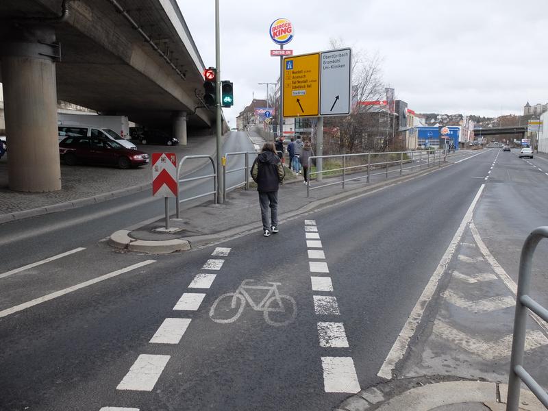 Überquerung Fahrradampel Nürnberger Straße | Radfahrerzone.de