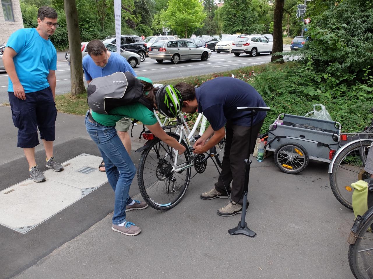 Fahrrad-Dankstelle: Luftpumpe