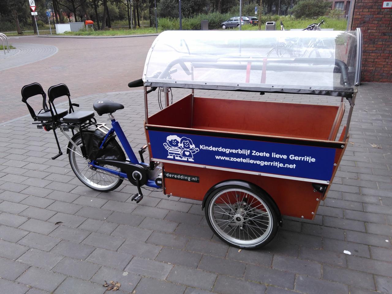 Lastenrad für 10 Kinder und eine Fahrerin