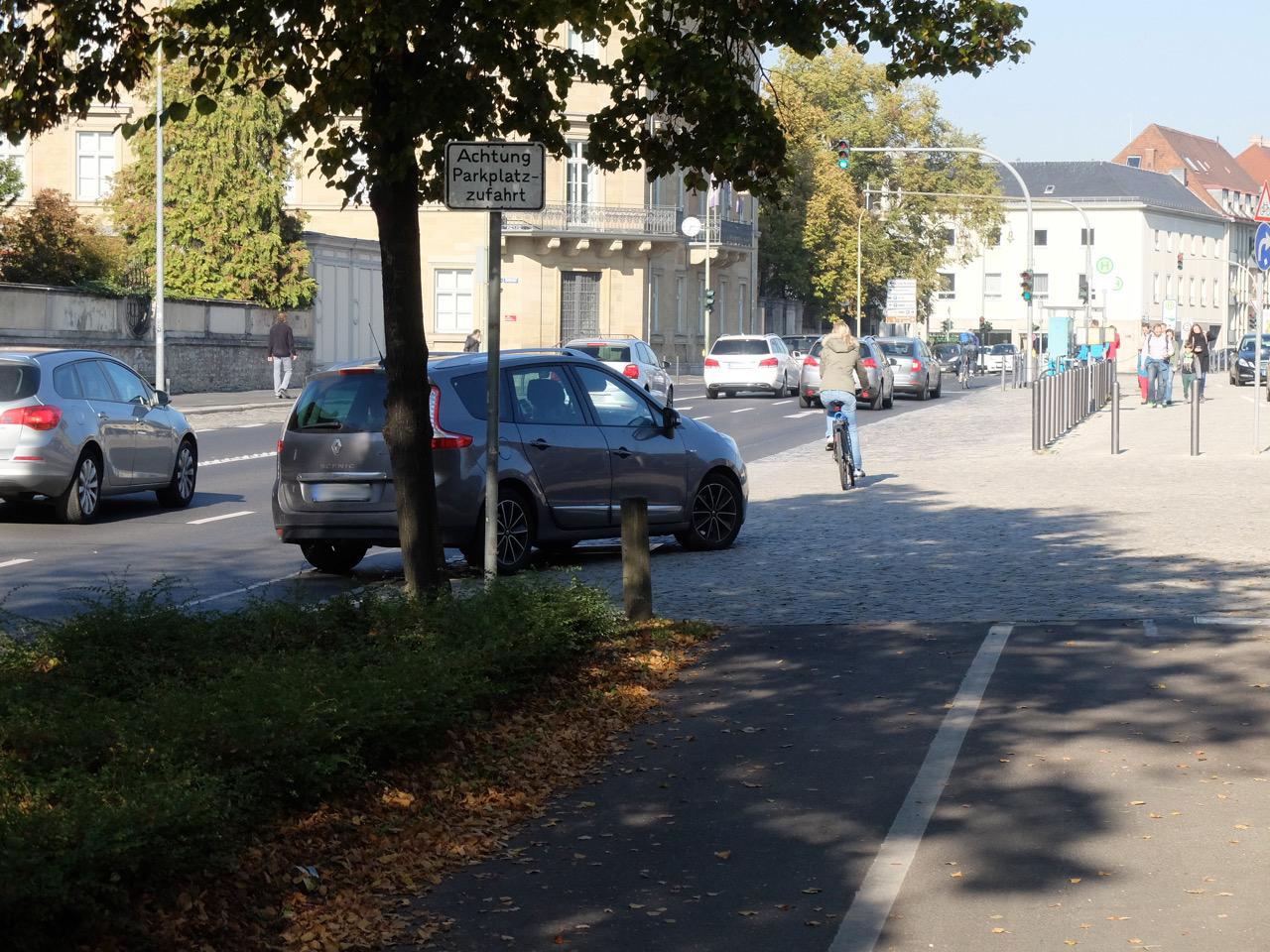 Der Radweg an der Würzburger Residenz